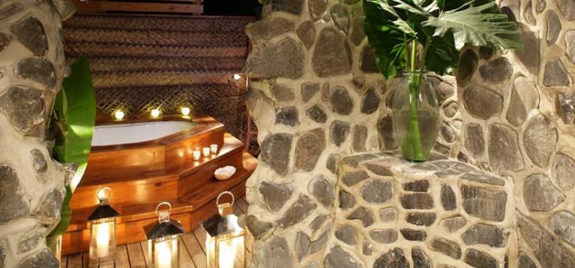 Fiji Honeymoon Outdoor Hot Tub