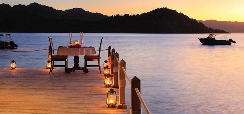 Honeymoon Fiji Romantic Dinner