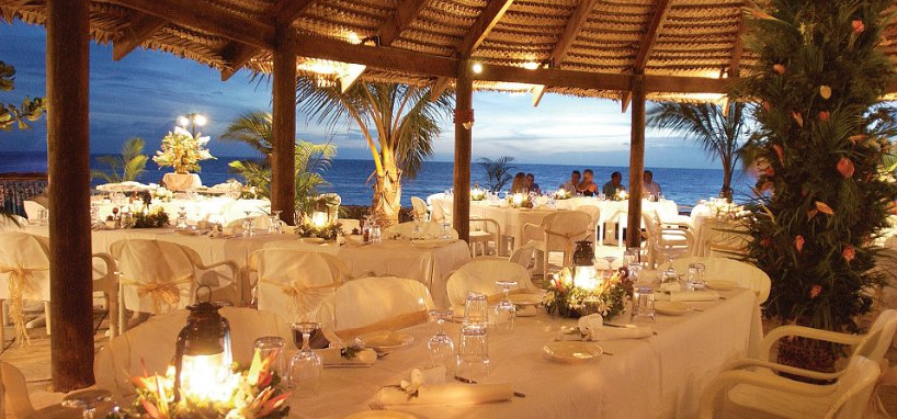 Outdoor Dining in Fiji