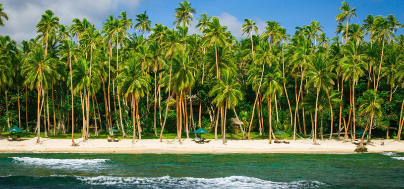 Beach in Authentic Fiji Luxury Resort