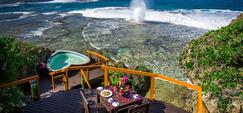 Dining Experiences in Fiji Luxury Resort